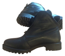 Second Hand  Boots