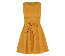 Ausgestelltes Kleid mit Lochmuster senf