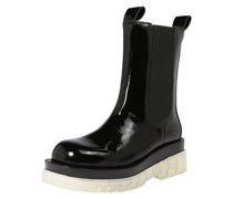 Chelsea Boots 'Tanked'
