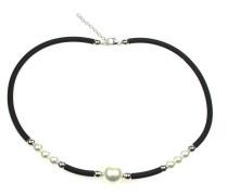 Perlenkette mit Silberdetails