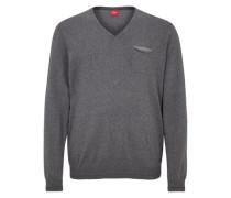 V-Neck-Pullover mit Ringeln grau