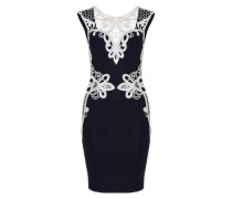 Figurnahes Kleid mit Spitzenborte