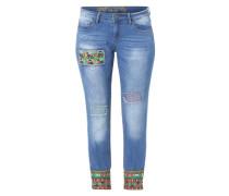 Jeans mit bunten Applikationen blau