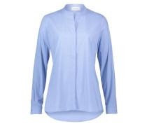 Bluse im klassischen Stil hellblau