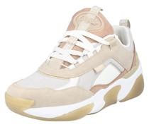 Sneaker 'lean'