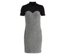 Feminines Kleid mit kurzen Ärmeln silber