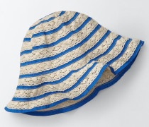 Gehäkelte Mütze Blau Mädchen Boden