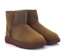 Stiefeletten Boots Classic Mini Leather Nubukleder finished Schafsfell