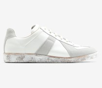 Sneakers Replica mit Farbbehandlung