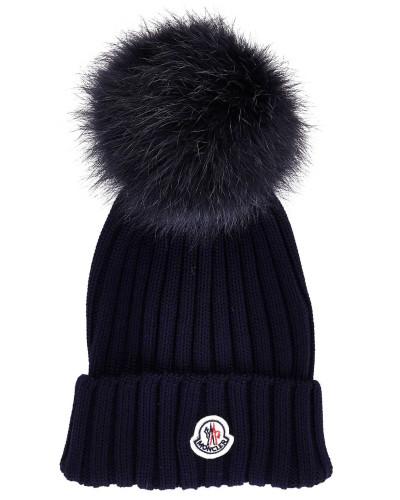 Mütze mit Pelzpompom