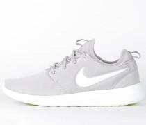Nike Wmns Roshe Two - Light Iron / Summit White - Volt
