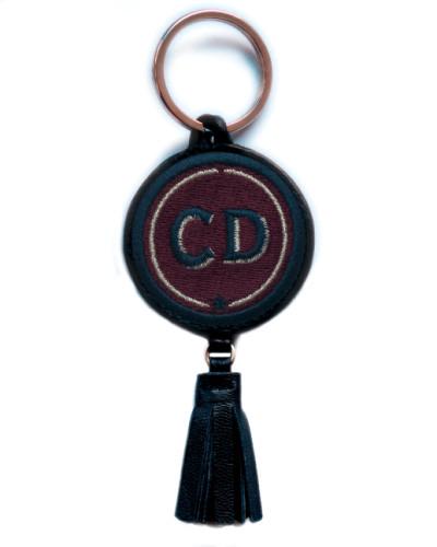 Schlüsselanhänger INITIALEN · bordeaux · mit Tassel