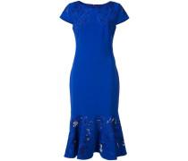 Kleid mit ausgestelltem Saum - women