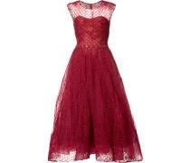 Ausgestelltes Kleid mit Netzlage