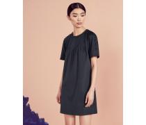 Kleid mit Knopfdetail