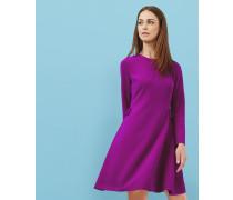 Kleid mit Schleifen an der Seite