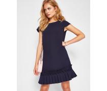 Kleid mit tiefer Taille und gerüschtem Saum