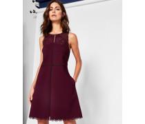 Kleid Mit Besticktem Wellensaum