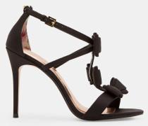 Sandalen mit drei Schleifen