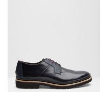 Hochglänzende Derby-Schuhe