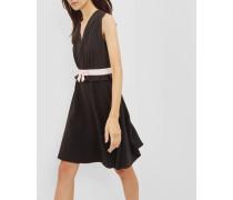 Kleid mit V-Ausschnitt und Schleifendetail