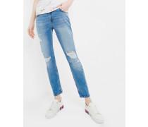 Jeans mit Rissen im Boyfriend-Fit