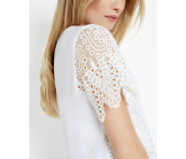 Scalloped edge lace top