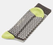 Socken mit Streifen und Punkten