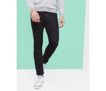 Jeans Mit Schmal Zulaufendem Bein