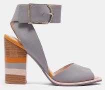 Sandalen mit Blockfarben-Detail am Absatz