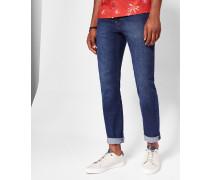 Mittelblaue, schmal zulaufende Jeans