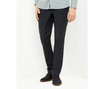 Klassisch geschnittene Hose