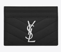monogram saint laurent kreditkartenetui aus schwarzem matelassé-leder mit grain de poudre struktur