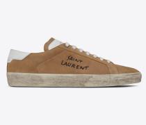 court classic sl/06 sneakers aus sandfarbenem velours mit saint laurent-stickerei und weißem leder
