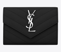 kleines monogram saint laurent umschlag-portemonnaie aus schwarzem matelassé-leder mit grain de poudre struktur