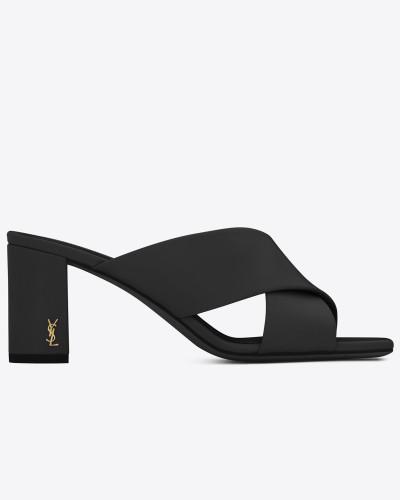 loulou 70 sandale aus hell scharze leder mit überkreuzten riemchen