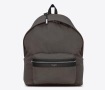 GIANT City Rucksack aus erdgrünem Nyloncanvas und schwarzem Leder