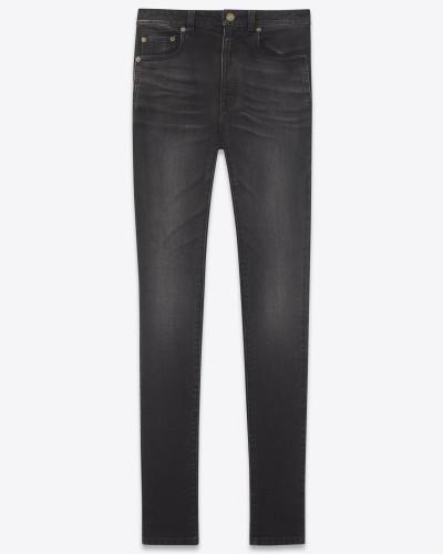 hochgeschnittene skinny-jeans aus schwarzem stretchdenim
