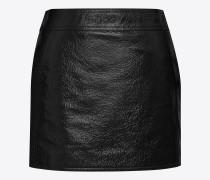 trapez-minirock aus schwarzem lackleder