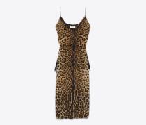 sarouelkleid aus seidengeorgette mit leopardenprint