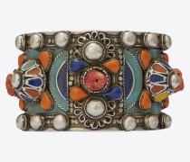 anliegender marrakech armreif aus zinn, messing, koralle und blauem email