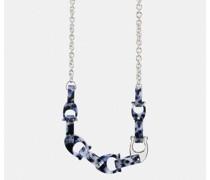 Auffällige Halskette mit skulpturiertem, charakteristischem Motiv