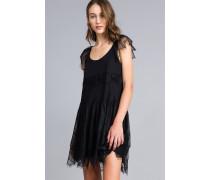 Kleid aus Plumetis, Spitze und Netzstoff