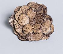 Blumenbrosche aus Animalierleder