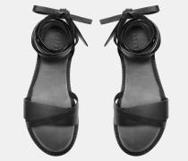Sandalen mit Lederstreifen