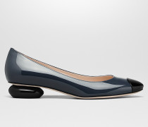 BETTE PUMPS AUS KALBSLACKLEDER IN DENIM