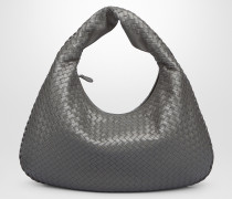 MITTLERE VENETA TASCHE AUS INTRECCIATO NAPPA IN NEW LIGHT GREY