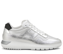 Interactive³, Sneaker