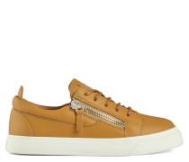 NICKI Low top sneakers