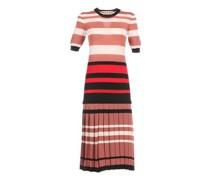 Kleid mit plissiertem Rock und hervorgehobener Taille